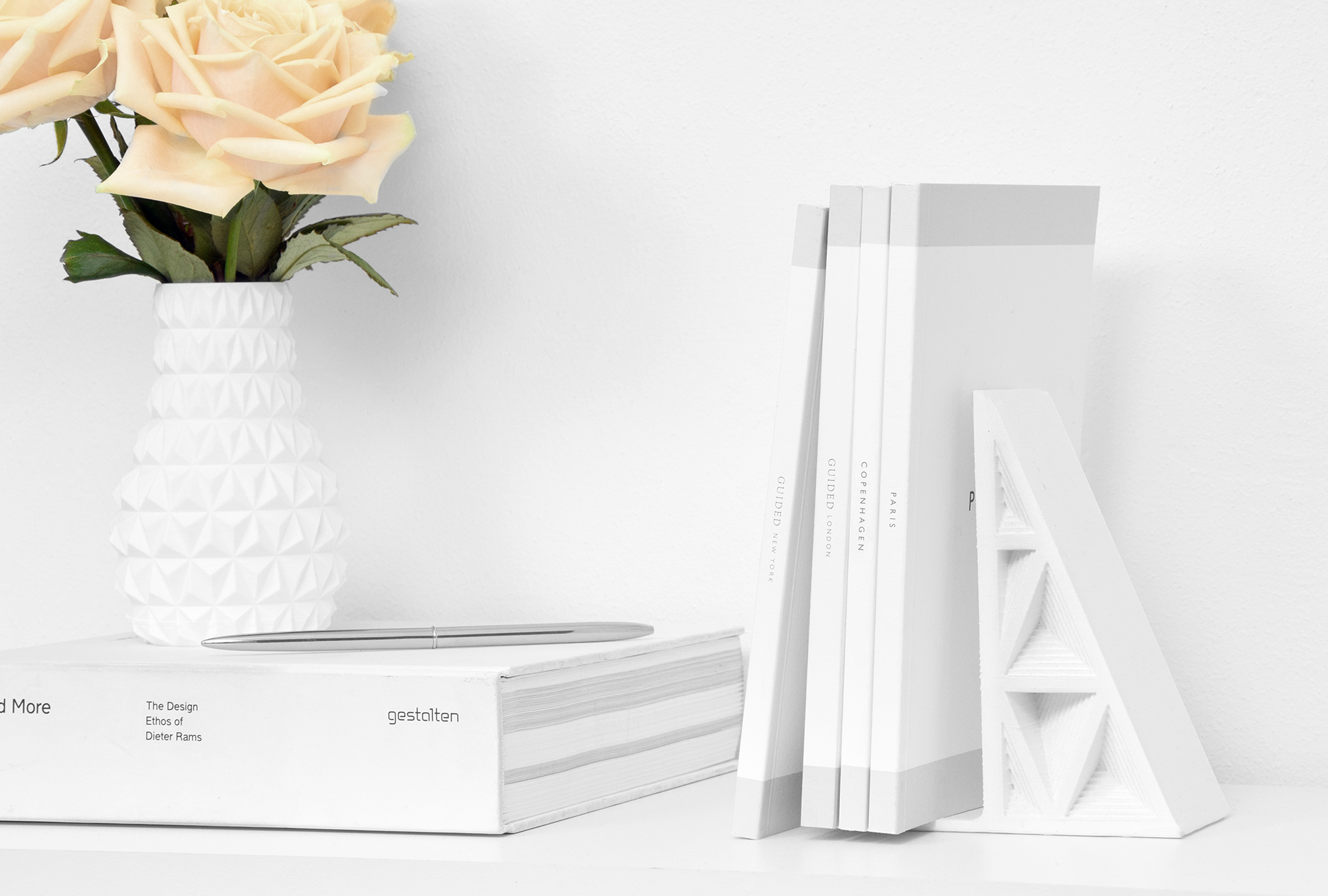 Cubify Triangle Bookend by Matthijs Kok