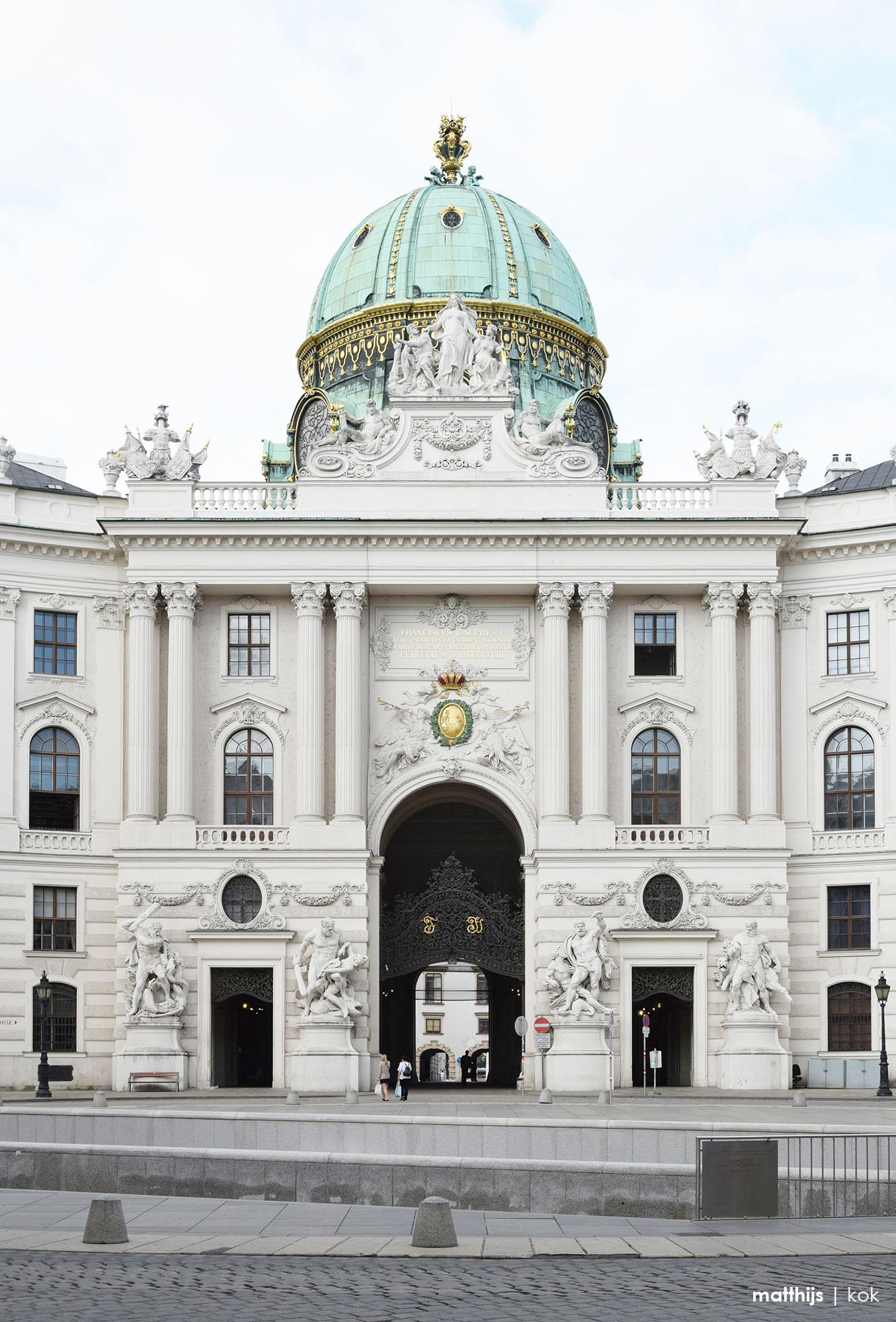 Spanische Hofreitschule, Vienna, Austria | Photo by Matthijs Kok