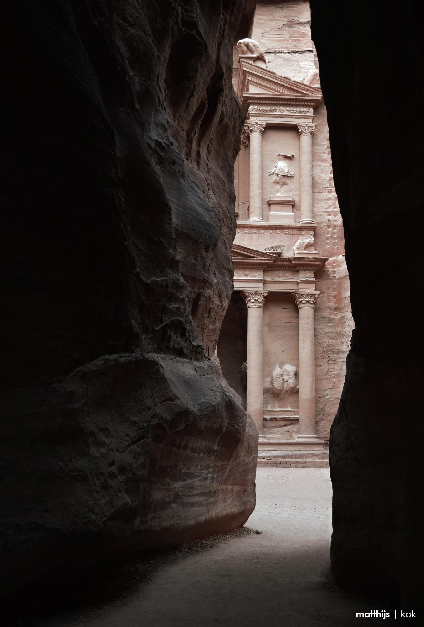 Siq, Petra, Jordan | Photography by Matthijs Kok