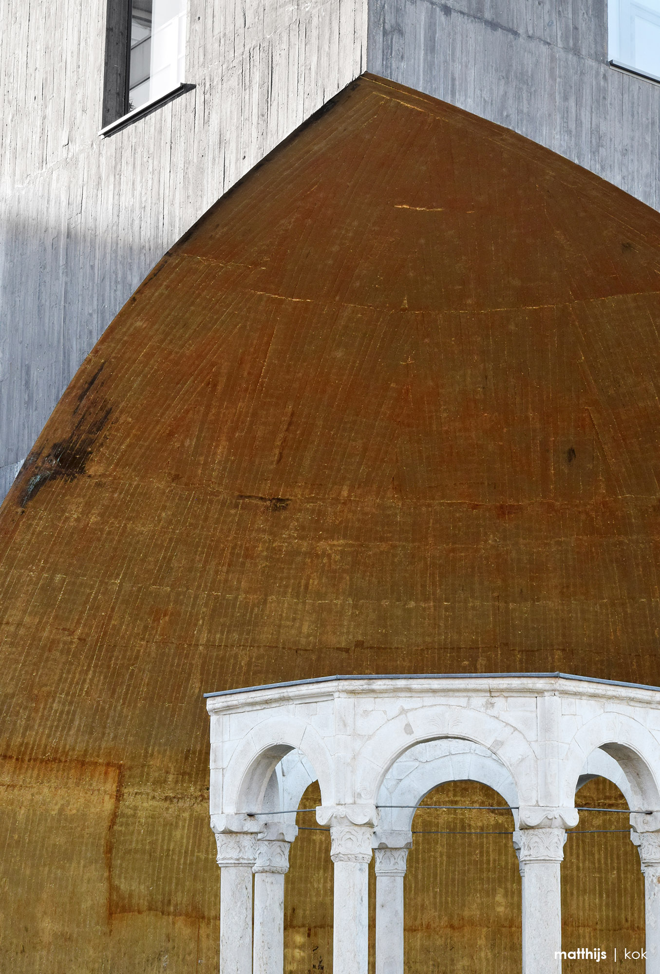 Kapllan Pasha Tomb, Tirana, Albania   Photo by Matthijs Kok