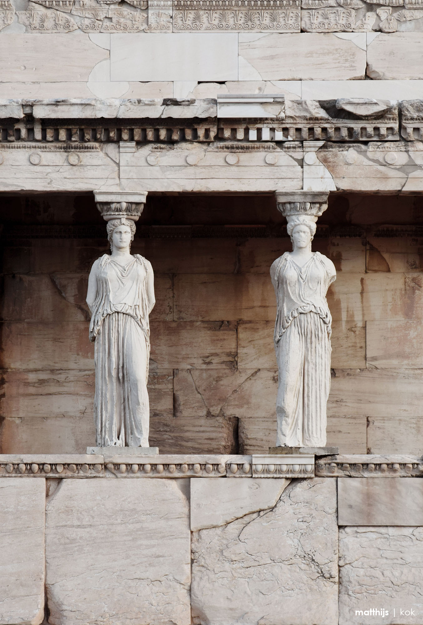 Caryatid porch of the Erechtheion, Athens, Greece | Photo by Matthijs Kok